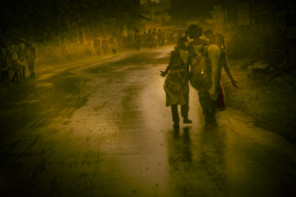 3-Les filles et la pluie